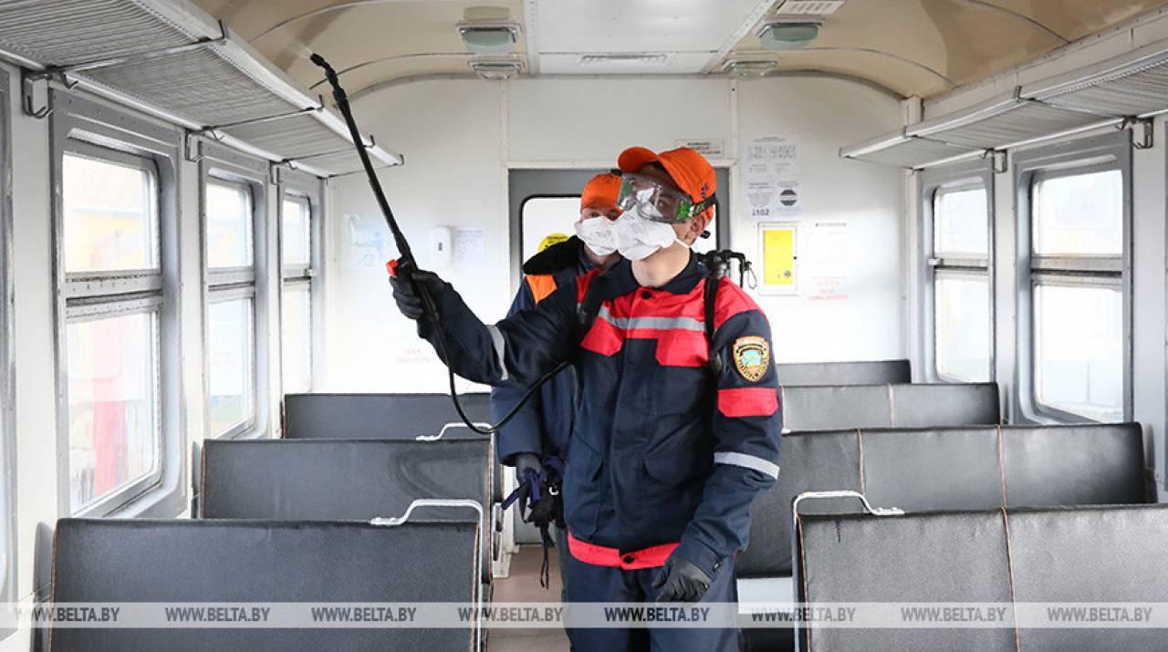На видео показали как проводится дезобработка дизель-поездов в Гродно